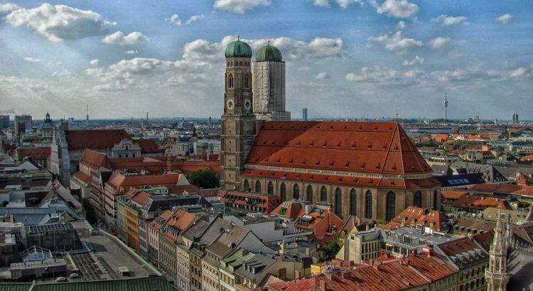 München Stadtbild Kirche
